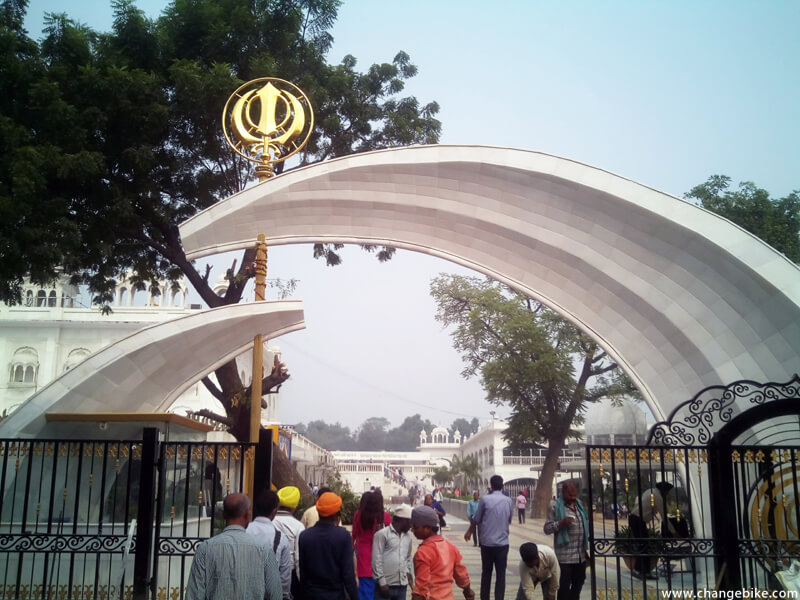 bike tours changebike gurudwara bangla sahib india